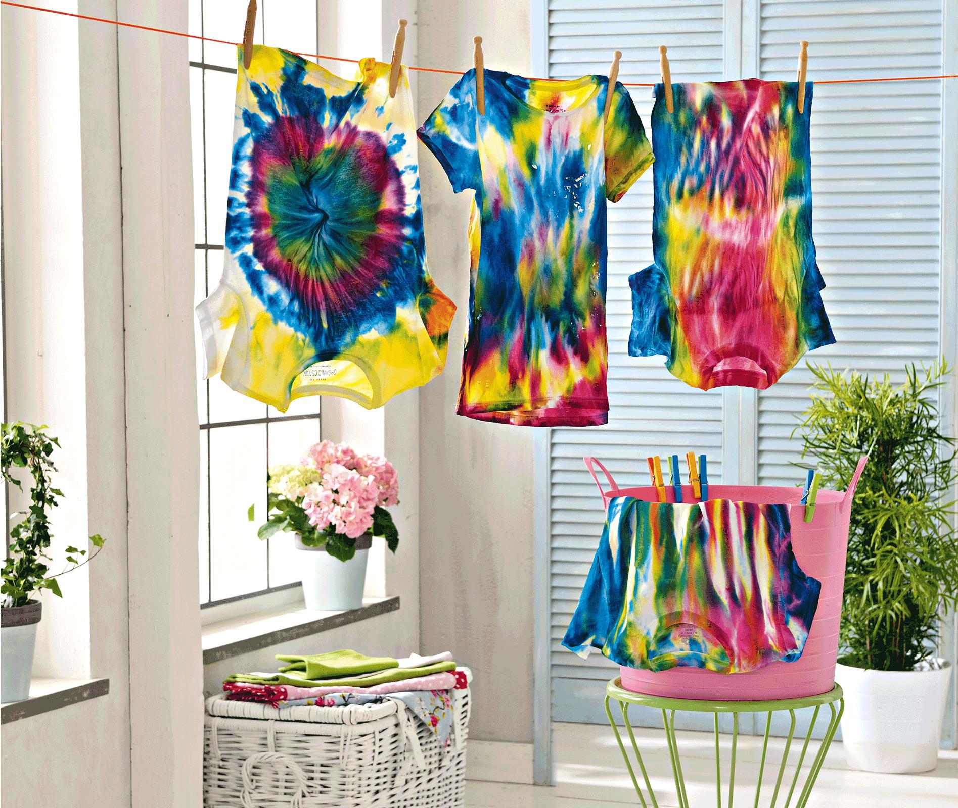 Koszulki farbowane za pomocą Marabu Fashion Spray